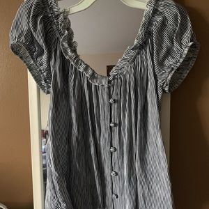 Stripped, off the shoulder American Eagle shirt